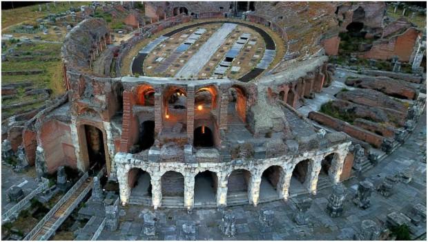 """Il """"piccolo Colosseo"""" della Campania"""